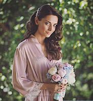 """Шёлковый халатик с кружевом и надписью """"Bride"""" из страз Swarovski розовая пудра"""