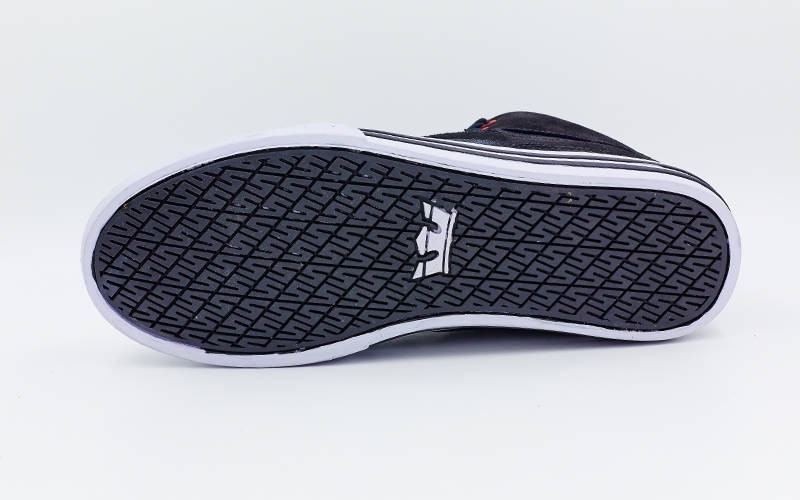 Кроссовки кожа высокие SUPRA р-р 40-45 скейтера  9d22f28e4f308