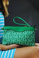 Женский клатч зеленый с буквами