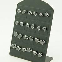 Серьги гвоздики с черными камнями .870