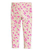 Штаны треггинсы бежевые в розовые сердечки для девочки 3-4, 4-5 лет