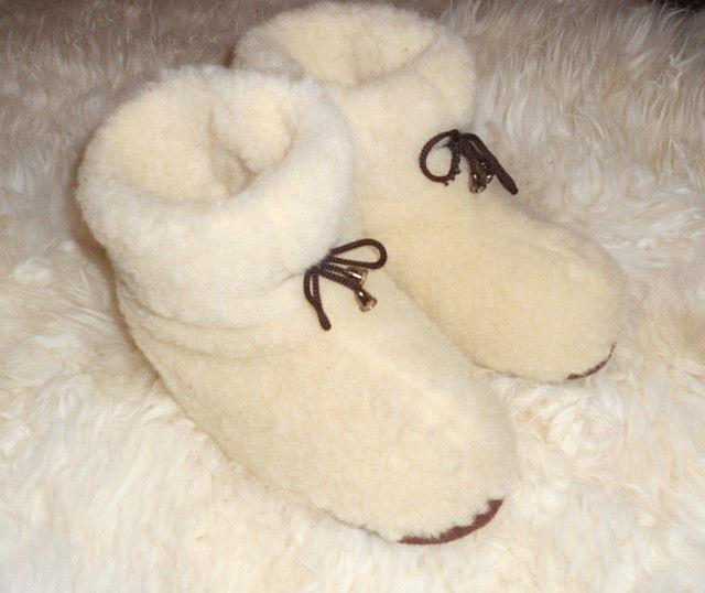 Взуття з овечої вовни