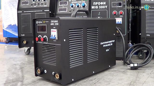Сварочный аппарат инверторного типа Профи ARC 250 Rilon