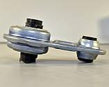 Подушка двигателя 2.3dCi (задняя восьмёрка)  на Renault Master III 2010-> —  Renault (Оригинал) - 8200675206, фото 2