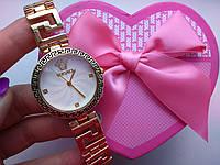 Женские часы Версаче белые с золотом