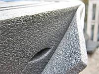 Демпфирующее покрытие с вырезами под искусственный газон