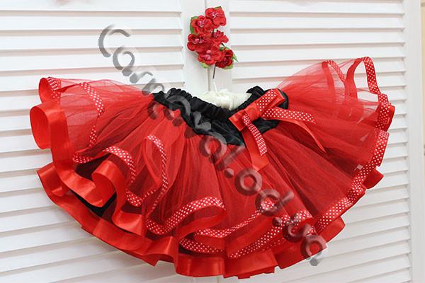 Нарядная фатиновая юбка  красная с атласными лентами