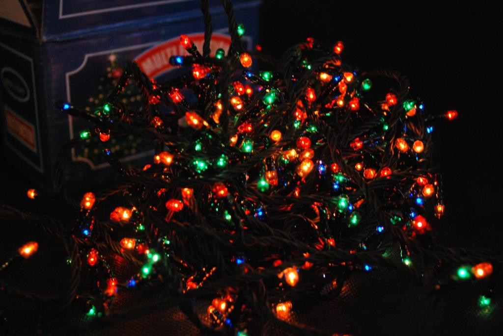 Гирлянда новогодняя на 400 ламп мульти + Елочки