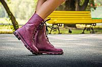 Ботинки женские бордового цвета на шнуровке