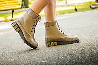 Ботинки женские бежевого цвета  цвета на шнуровке