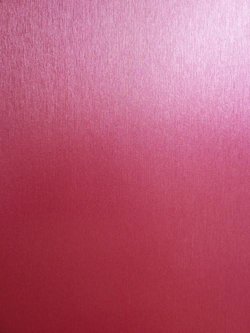 Матовая пленка под металл ярко-розовая