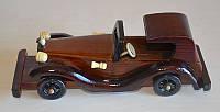 Статуэтка автомобиля деревянная