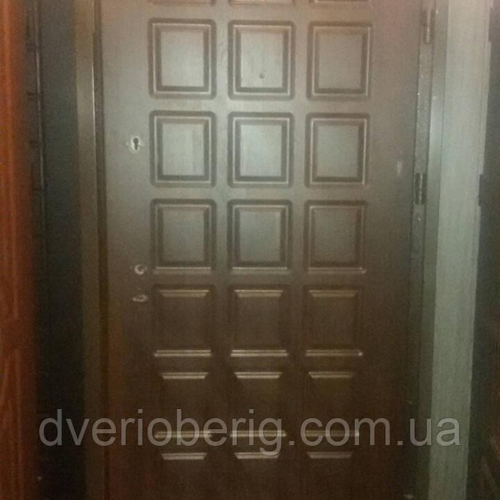 УЦЕНКА Входная дверь модель П3-93 темный орех