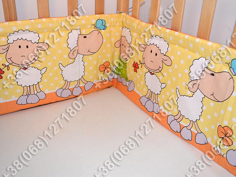Бортики в детскую кроватку защита бампер Баранчик оранжевый