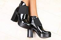 Ботинки лаковые на резинке на толстом каблуке черные р.40