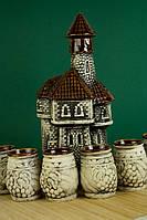 Красивый керамический штоф замок.