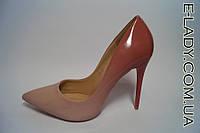 Лаковые туфли лодочки на шпильке нежный нюдовый градиент