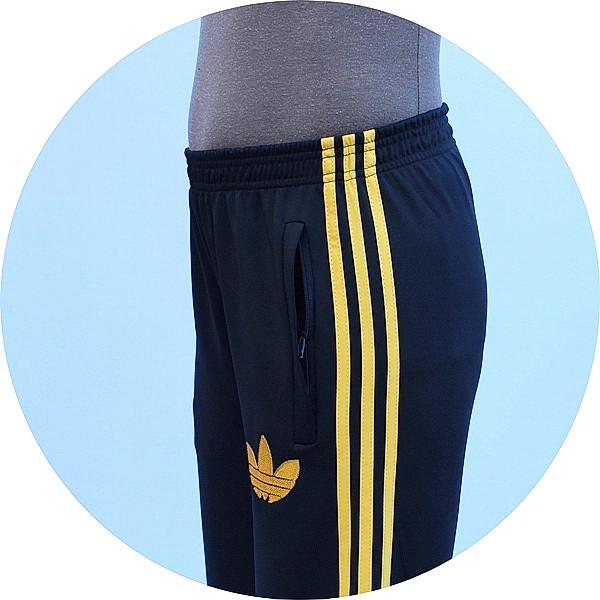 - спортивный костюм с воротником - карман - пояс - вышивка -