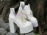 Стильные женские  ботильоны на высоком каблуке