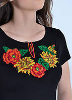 Черная женская трикотажная футболка-вышиванка