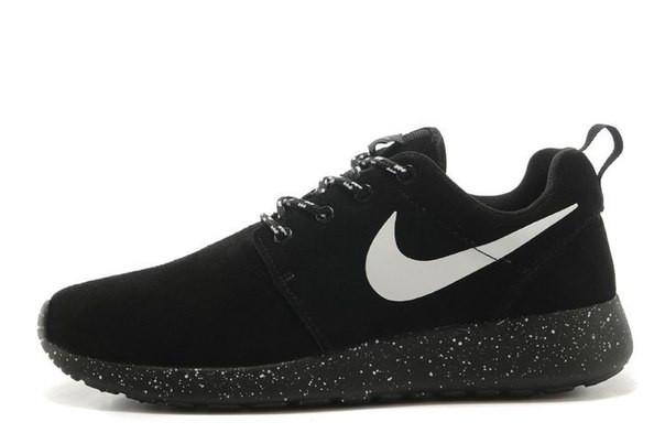 Nike Roshe Run black wash-leather