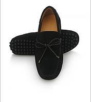 Классические мокасины на шипах с шнурками