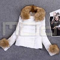 Женская куртка с мехом на капюшоне, фото 1