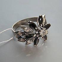 Серебряное кольцо в виде цветка с черными фианитами, фото 3