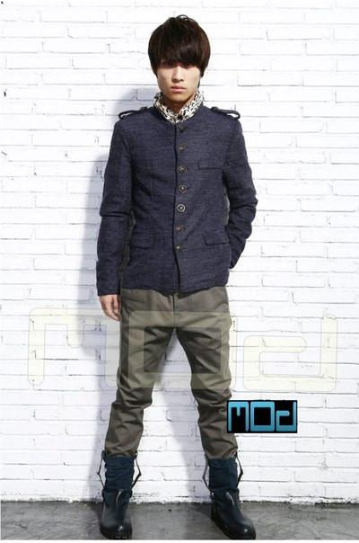 Приталенное мужское полу пальто