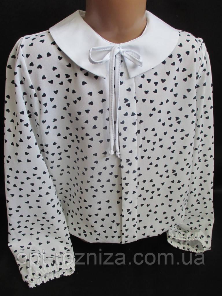 Нарядные блузы с сердечками и белым воротником.