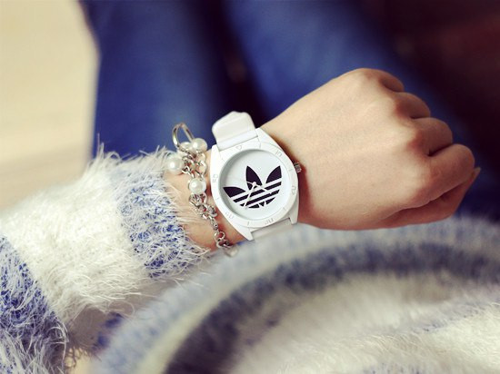 Часы с лого Adidas