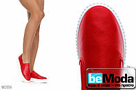 Модные женские слипоны Wonex Red из экокожи на высокой белой подошве красные
