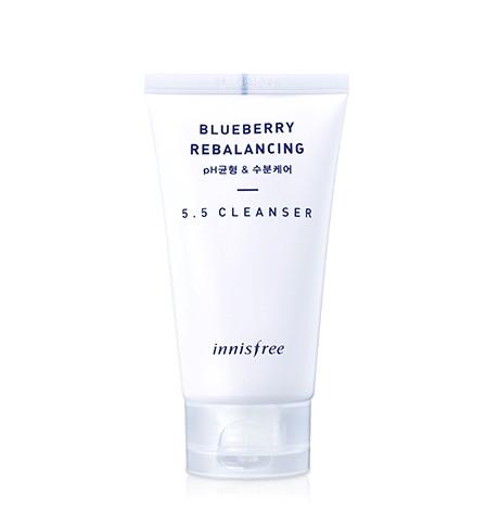 Innisfree Blueberry rebalancing 5.5 cleanser Балансирующая пенка с экстрактом черники