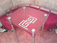 Кухонный обеденный квадратный стол