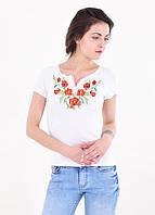 Белая женская футболка-вышиванка с маками