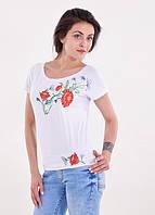 Женская трикотажная футболка с вышивкой белая, цветочный узор