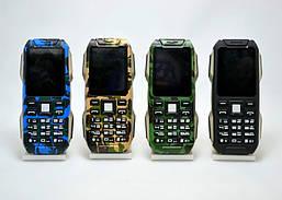 Противоударный телефон Mleka D500 - защитный корпус, power bank, фонарь, Батарея 8000mah