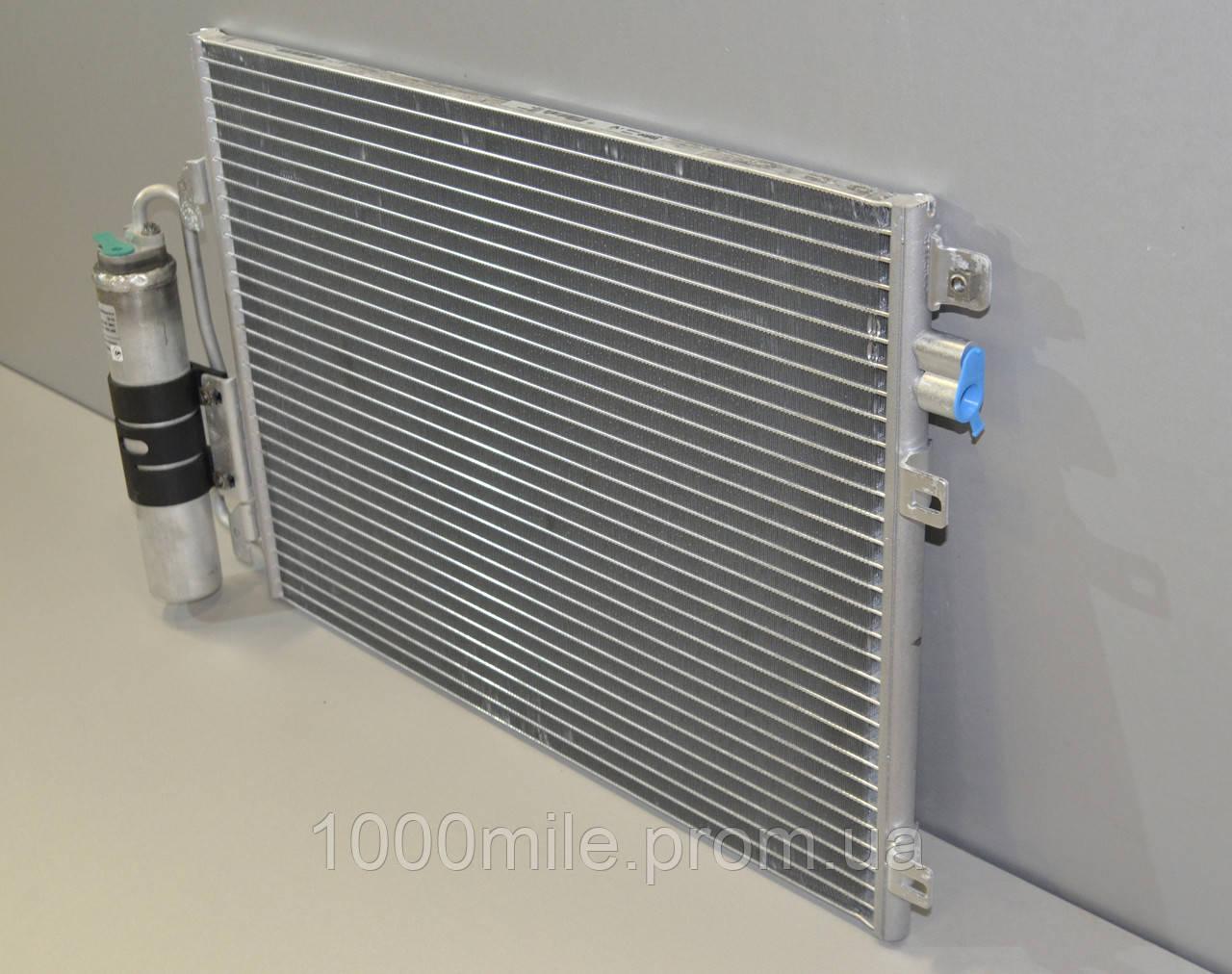 Радиатор охлаждения двигателя на Renault Kangoo 97->08 1.5dCi+1.2 16V+1.6 — Renault (Оригинал) - 8200757789