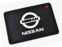 Автомобильный коврик антискользящий Nissan