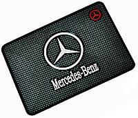 Автомобильный антискользящий коврик Mercedes-Benz