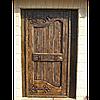 Деревянная дверь под старину