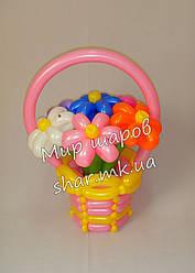 7 ромашок в кошику з повітряних кульок