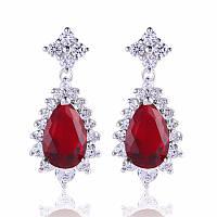 Восхитительные серьги с красными камнями