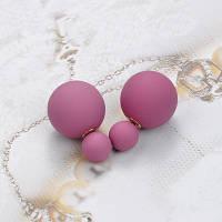 Яркие женские серьги пусеты фиолетового цвета