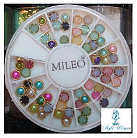 Стразы пластиковые в карусели для дизайна ногтей цветные круги в оправе
