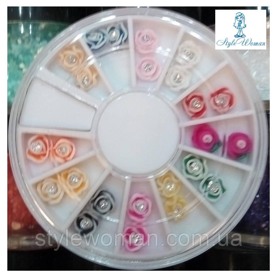 Стразы пластиковые в карусели для дизайна ногтей розы