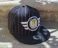 Бейсболка черная с логотипом