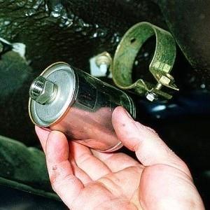 Замена фильтров автомобиля
