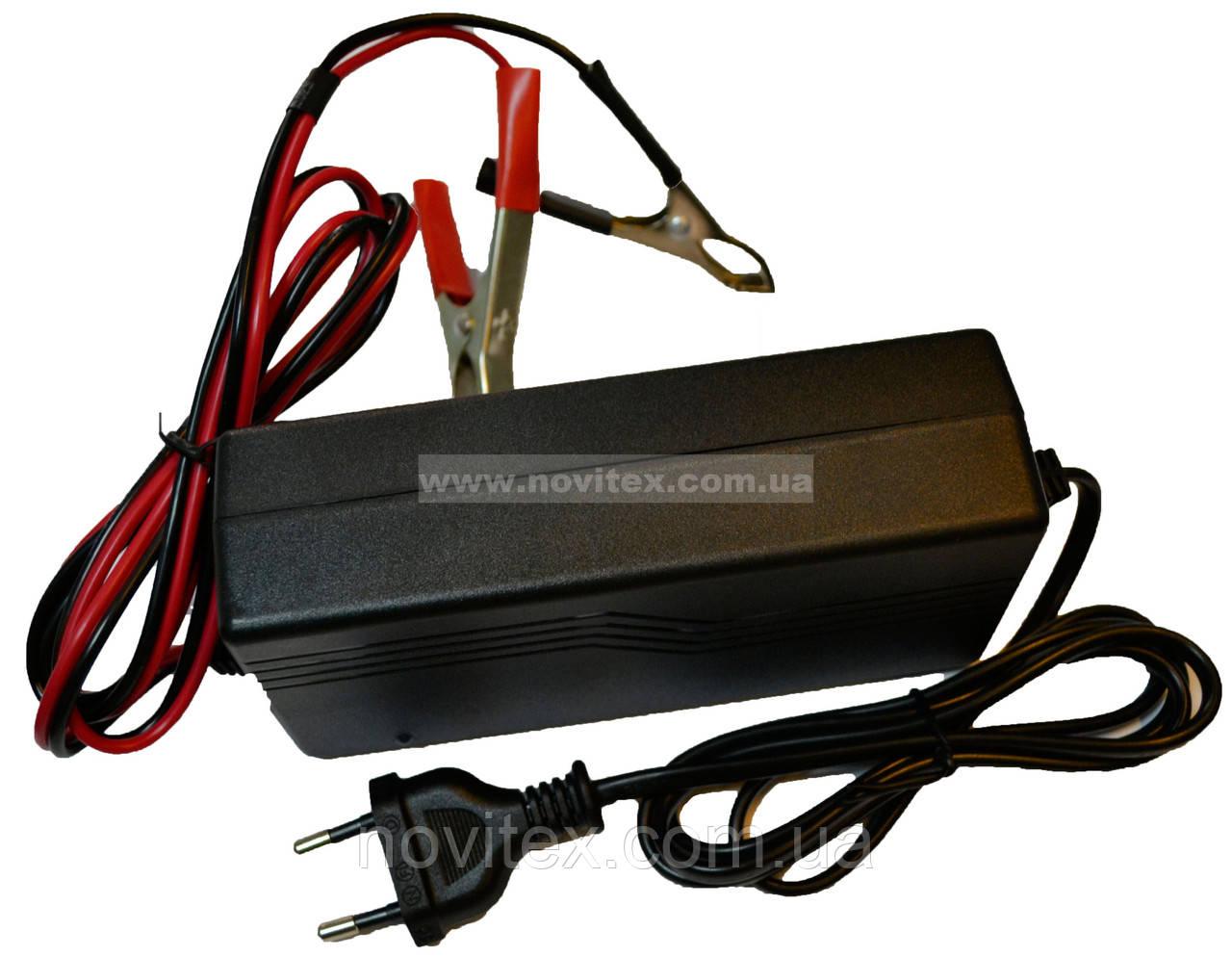 Зарядное для аккумуляторов Luxeon BC-1205