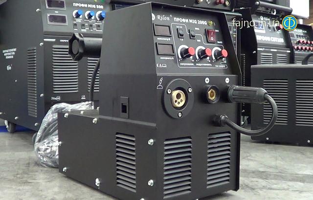 Сварочный аппарат Профи MIG 200G + MMA (сварка проволокой в защитной среде и дуговая сварка)